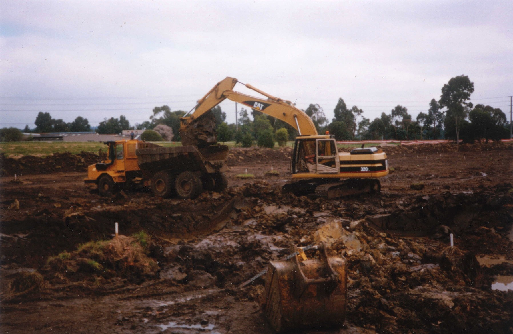 resizedwetlands-digging-the-ponds.jpg